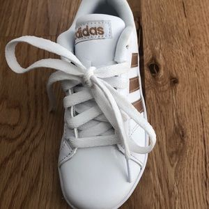 8823320e63ec adidas Shoes - Little girls rose gold adidas